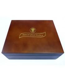 Дървена кутия с 6 вида чай (светла)